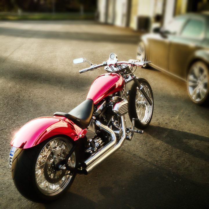 Kromattu moottoripyörä